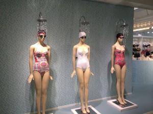 Paris manequins shower