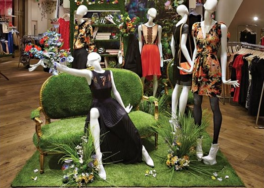 Spring fashion VM display with astro turf