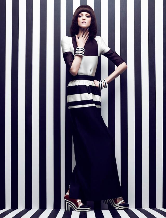 Monochrome mannequin fashion window dressing