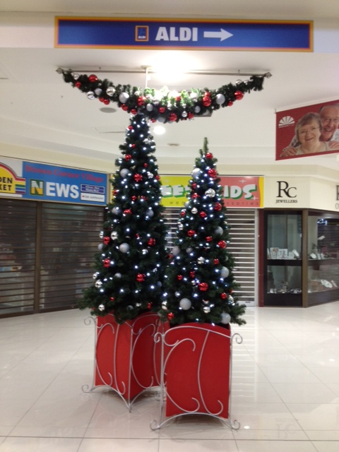 Decorations in the suburbs, Stones Corner Christmas decorations Brisbane