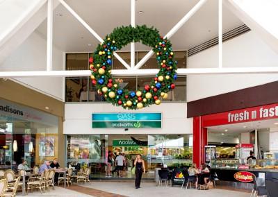 Oasis Broadbeach entrance Christmas wreath