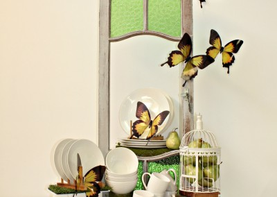 Retail VM display green window and butterfly