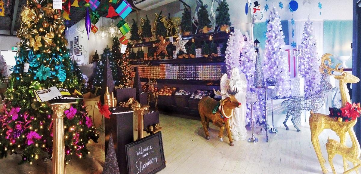 Christmas Retail Showroom | VM+ Visual Merchandising Plus More ...